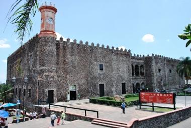 Мексика. Куэрнавака. Дворец Эрнана Кортеса